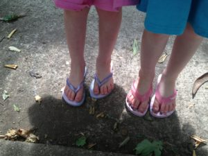 The girls wearing their Havaianas