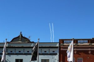 Planes over buildings @ Katoomba