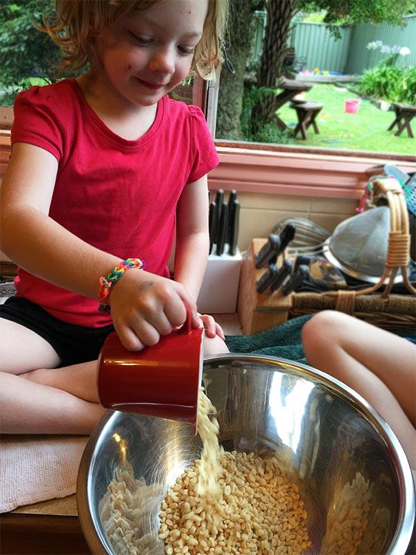 Adding the rice bubbles