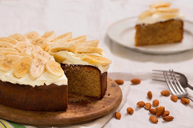 Circular Flour-less White Chocolate Cake with Orange Blossom and Banana