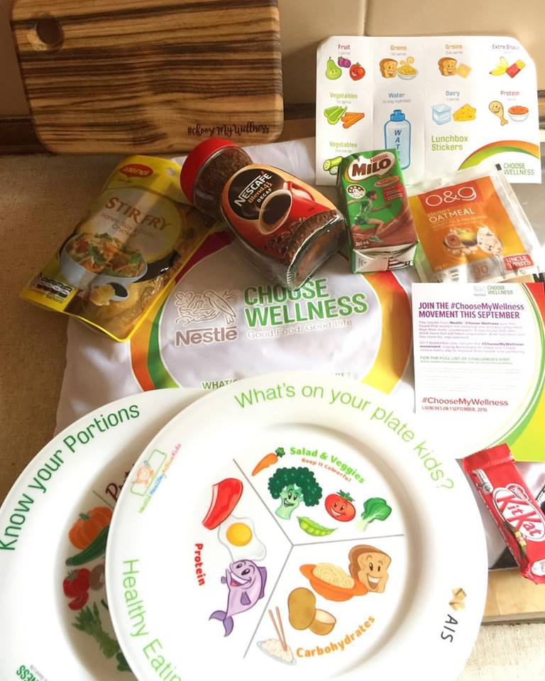 My fabulous wellness pack from Nestlé. The lovely chopping board from Byron Bay Chopping Boards smells amazing and is a nice little size. Also the stir-fry pack will come in handy for dinner.