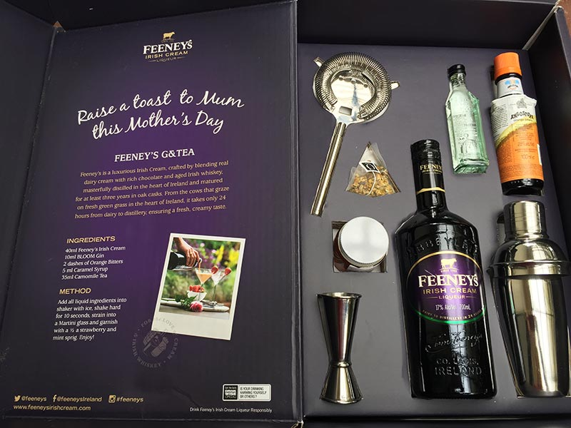 The lovely gift box from Feeney's. It was a wonderful surprise receiving all the needed things to make the Feeney's G & Tea Cocktail. Thanks so much Feeney's for this lovely gift pack.