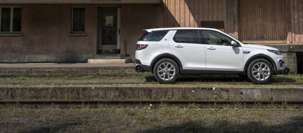 Land Rover Discovery Sport TD4 150 SE just waiting for me to take it home. I can hope can't I. Image from the NRMA website.