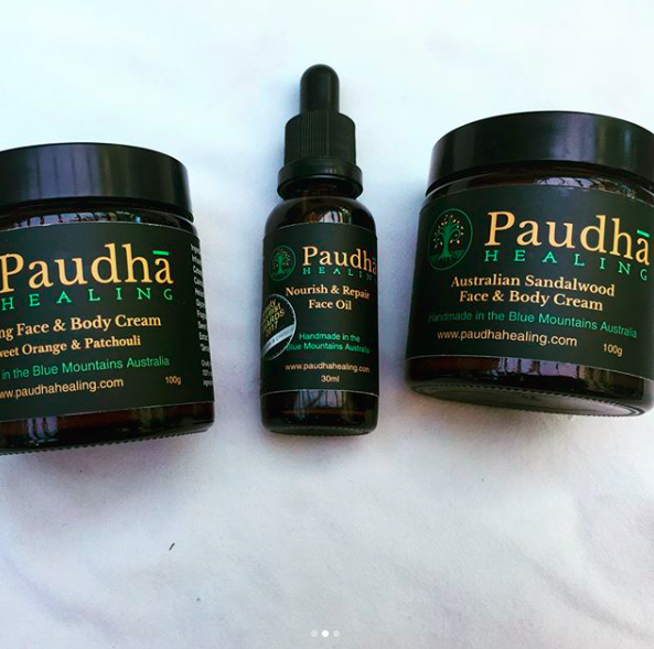 I've been testing out the brilliant, fab smelling and hydrating products from Paudhã Healing. I love them, and I'm sure you will too!