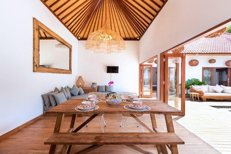 Dining and lounge area at Villa Makasih in Seminyak