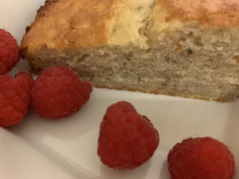Vanilla, banana & chia seed cake all ready to eat. Adding raspberries made it taste fabulous as well.